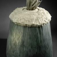 « Flurry », 1990, bois, pierre, schiste, graphite, Galerie d'art Louise et Reuben-Cohen, N.-B.